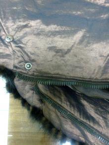 Ремонт и переделка куртки: замена кнопок на пуговицы