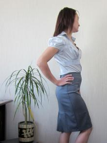 Блузка с юбкой