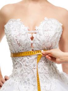 Подгонка свадебного платья по талии